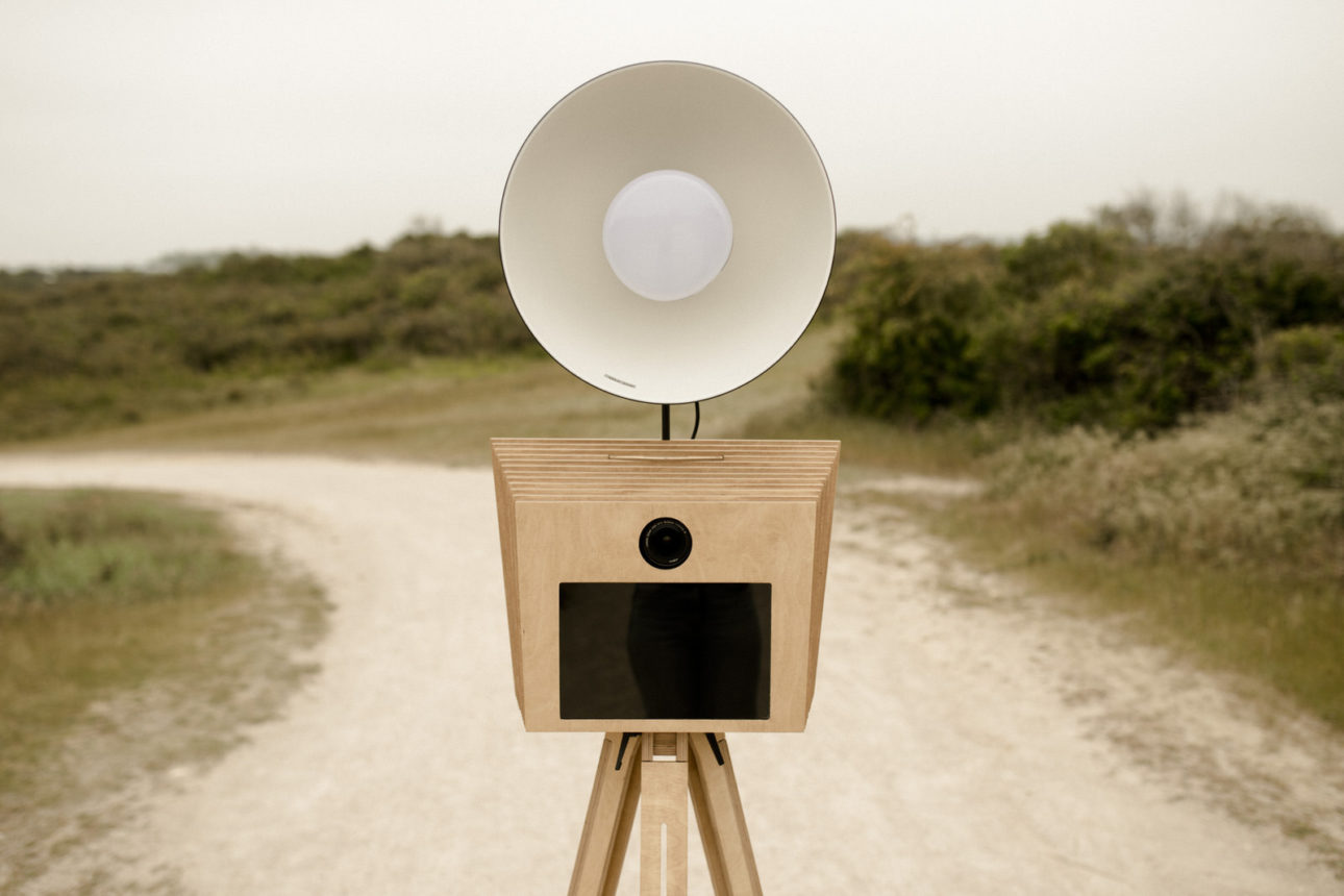 Hello box, modèle photobooth en bois